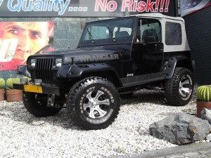 big black jeepstore 001