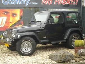 jeep-wrangler-suv-terreinwagen-benzine-zwart-001--69589171-Medium